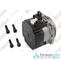 Vaillant szivattyú motor VUW236/7 0020231141